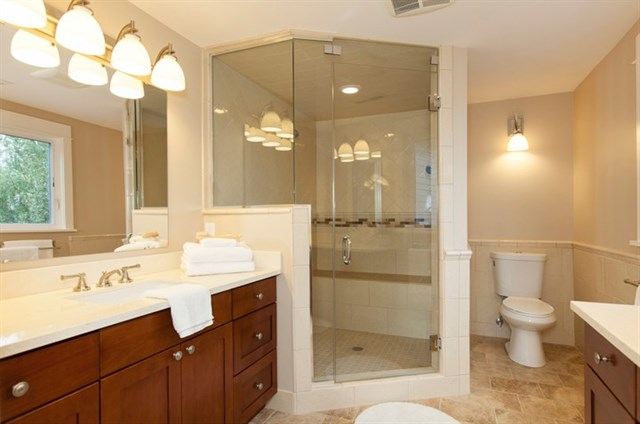 14-Master-Bath.jpg